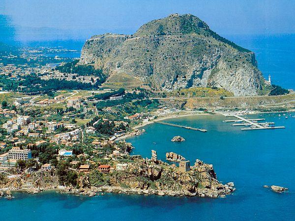 A milenar Cefalù na Sicília
